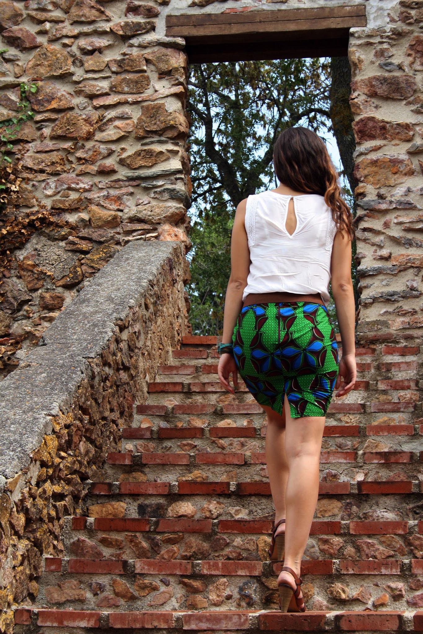 Diy couture la jupe droite hibiscus en wax blog point - Patron couture jupe droite ...